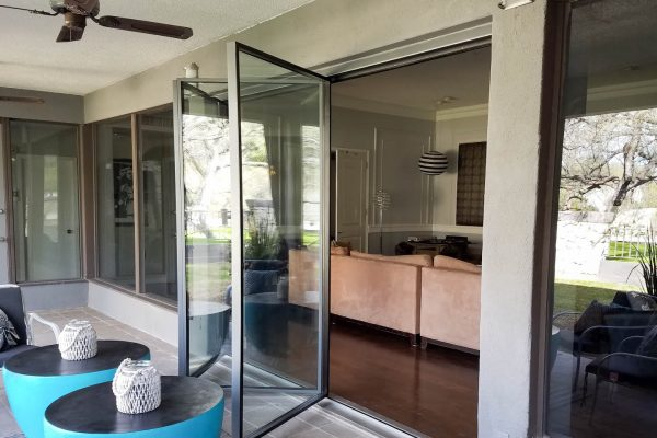 2F-8000 folding door | folding door systems | steel folding doors | steel doors | luxury glass doors | steel and glass doors | custom steel doors | minimalist architecture | luxury windows